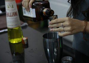 Để theo nghề Bartender thì cần những gì?