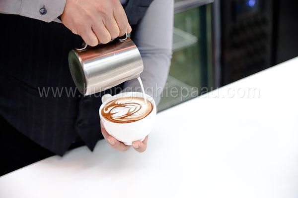 Kỹ thuật tạo hình Latte Art