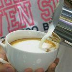 thực hiện pha chế cafe