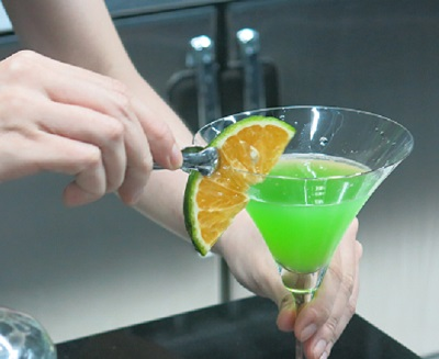trang trí ly cocktail