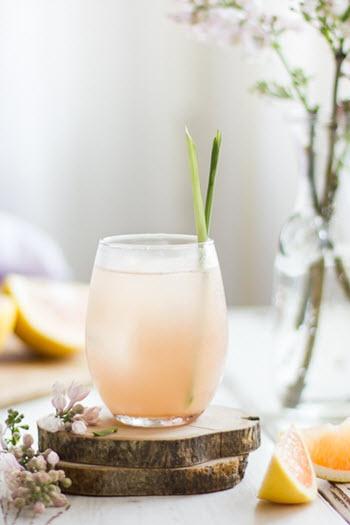 hình cocktail bưởi sake