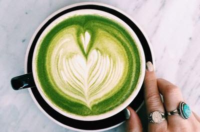 hình matcha latte nóng