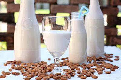 hình sữa hạnh nhân