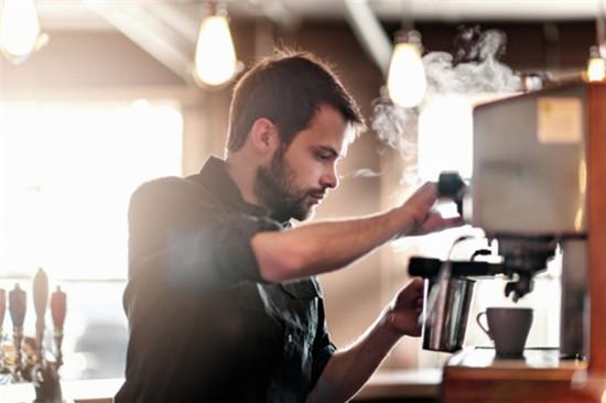 barista pha chế các loại cà phê