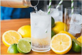 nước soda kết hợp với các nguyên liệu khác