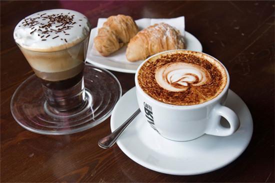 tách cà phê espresso