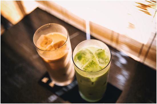 Món trà sữa Thái xanh và đỏ hấp dẫn được giới trẻ yêu thích suốt thời gian dài