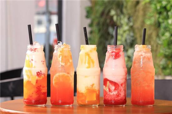 cập nhật menu đồ uống thường xuyên