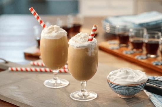 Ice blended là thức uống đá xay với nhiều hương vị hấp dẫn
