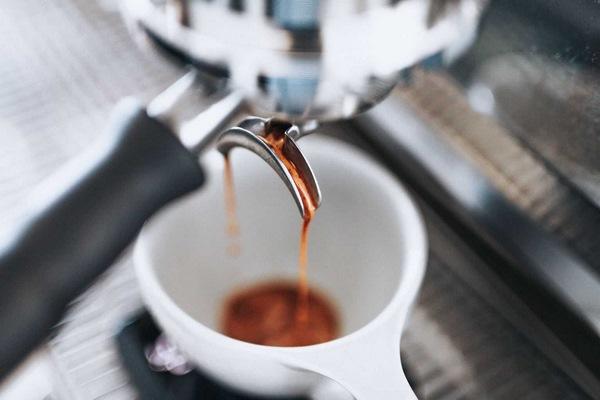 dòng chảy cà phê