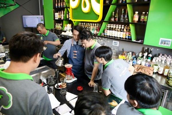 hình ảnh học viên học barista tại trường dạy nghề hpcviet