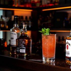 Pha Chế Rượu Gọi Là Gì – Học Pha Chế Rượu Cocktail