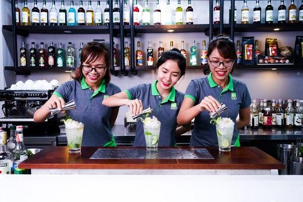Những cô nàng Bartender