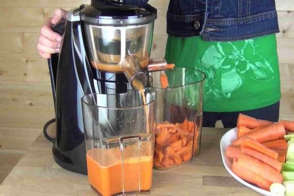 sử dụng máy ép cà rốt