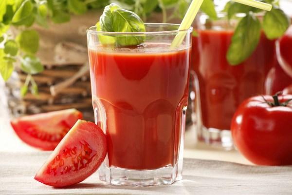 nước ép cà chua nhiều vitamin