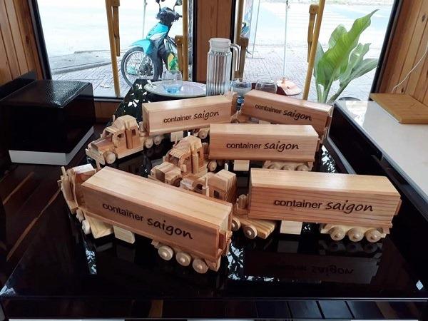 mô hình quán cafe container