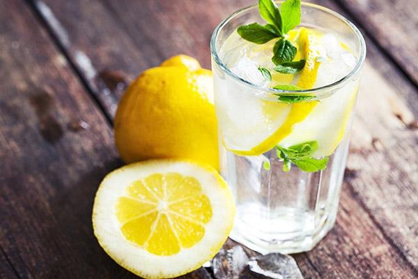 Uống nước chanh đều đặn